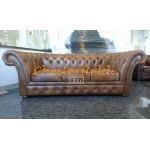 Windchester Antikgold 3-Sitzer Chesterfield Sofa - TheChesterfields.de